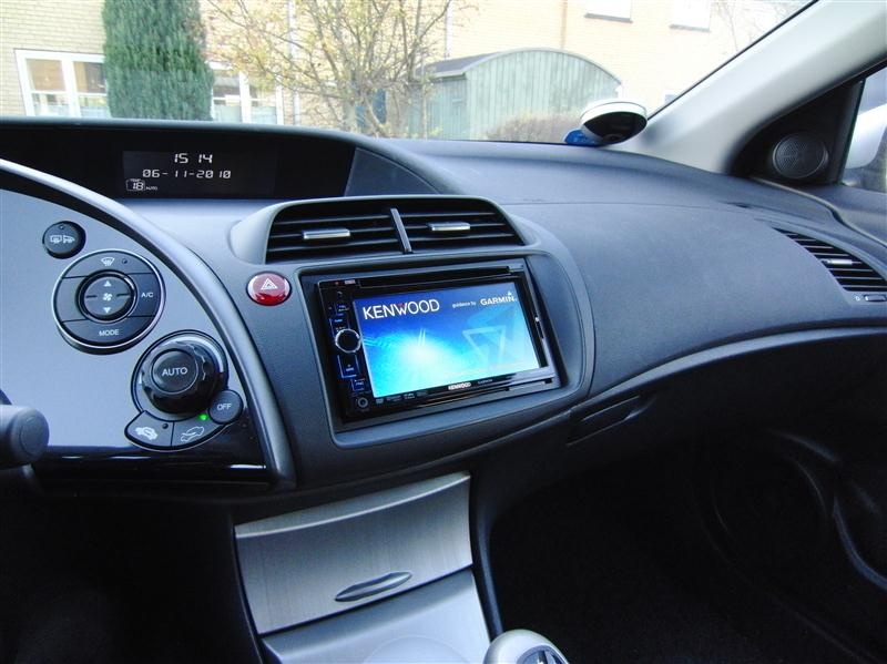 PB00176574 furthermore View besides Install besides Product m Pioneer Deh 5200sd p 25982 in addition Product m Cobra 8510 p 23419. on alpine car stereo with bluetooth